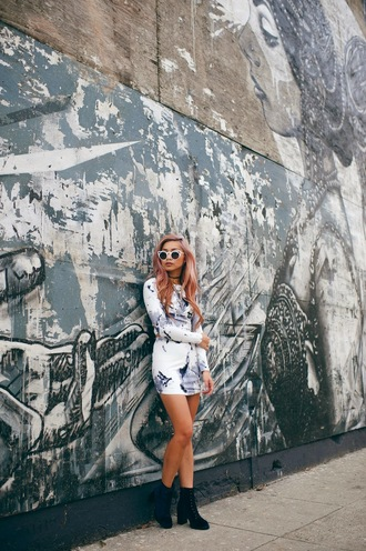 the blvck sheep blogger top sunglasses two-piece mini skirt print long sleeves