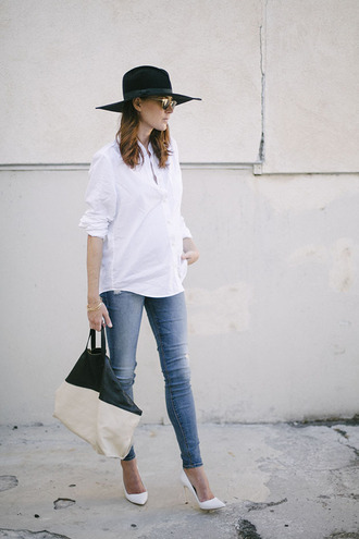could i have that blogger top jeans sunglasses jewels shirt