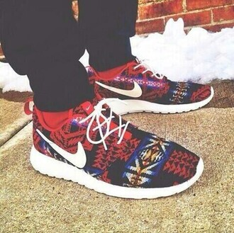 shoes print aztec red nike running shoes nike nike roshe run blouse roshe runs aztec nikes nike sneakers