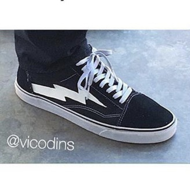 How To Dress With Vans Shoes