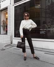 jeans,black jeans,cropped jeans,mules,handbag,belt,sweater,knitted sweater,sunglasses,earrings