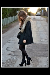 coat,black,faux fur,fur collar,fur jacket,fur coat,fur,brown,boyfreind,christmas,cold,winter outfits,meal,fall outfits,girl,women,lady,inneed,in,shoes