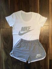 shorts,nike grey shorts,nike,sportswear,nike shorts,grey shorts