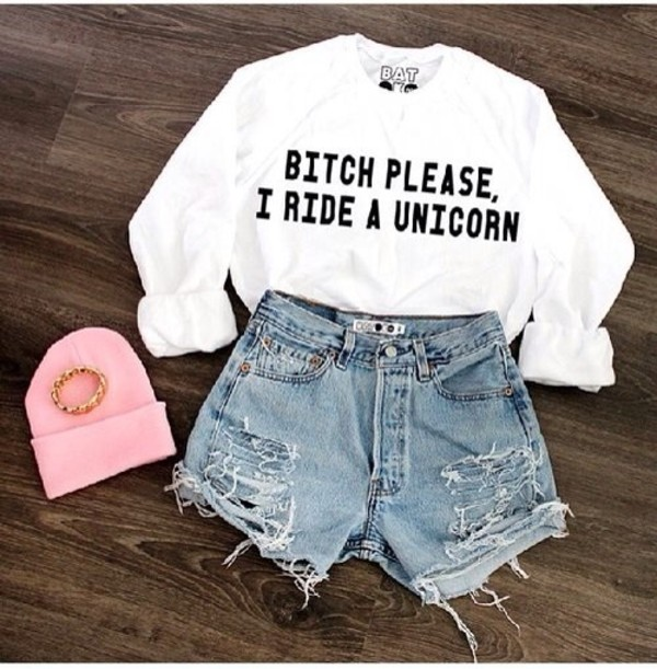 sweater hat shorts jewels unicorn shirt white pants cut off shorts white shirt soft grunge t-shirt High waisted shorts black jumper bitch blouse romper