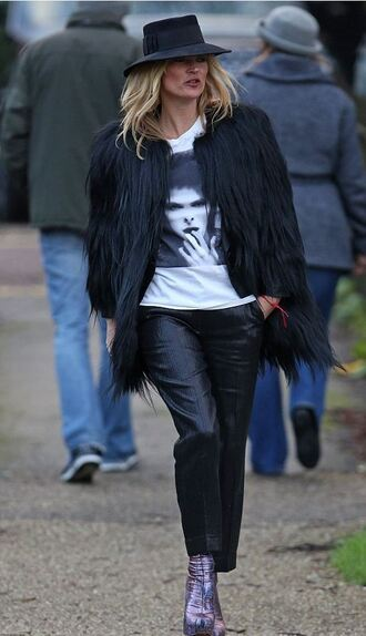 coat top fur coat kate moss fall outfits boots pants t-shirt