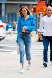 jacket,cropped,cropped hoodie,gigi hadid,model off-duty,streetstyle,jeans