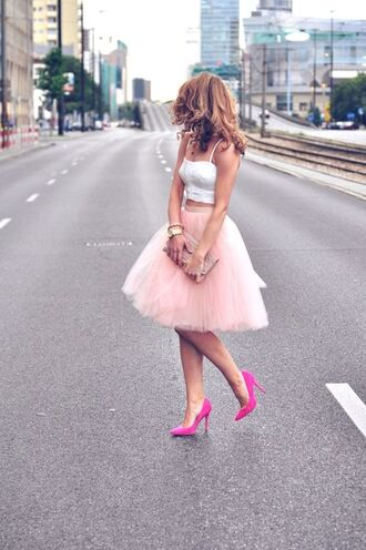 dress pink dress tulle dress high heels pink heels pink shoes summer dress pink tulle dress pink skirt stilettos pink skirt and white top shoes