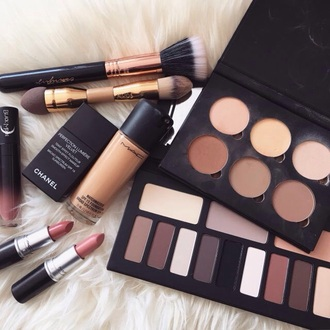 make-up beautiful fashion makeup palette makeup brushes party make up