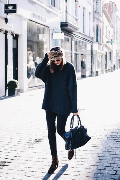 hat tumblr fur hat sunglasses sweater blue sweater denim jeans black jeans skinny jeans black skinny jeans bag black bag boots ankle boots printed boots winter outfits