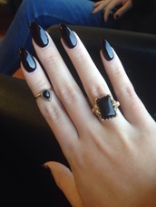 jewels,ring,jewelry,hand jewelry,black,obsidian,gold,gold mid finger rings,knuckle ring