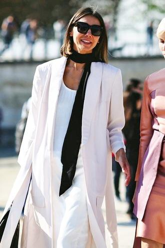le fashion image blogger sunglasses scarf jacket