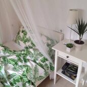 home accessory,white,green,leaves,leafs,bedding,white bedding,tumblr bedroom,bedroom