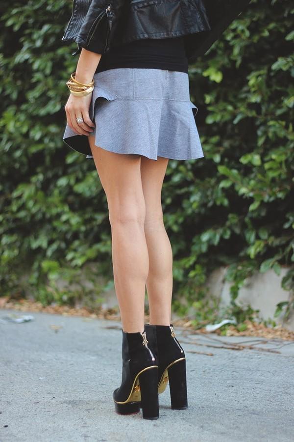 jacket t-shirt skirt shoes bag