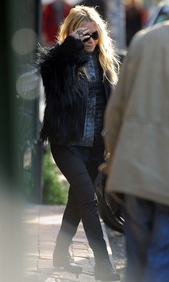 jacket fur mary kate olsen olsen sisters fall outfits faux fur jacket