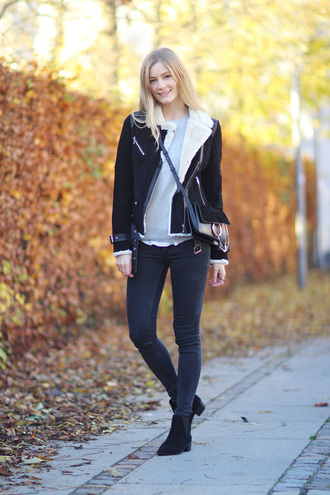 passions for fashion blogger coat sweater jeans shoes jewels bag