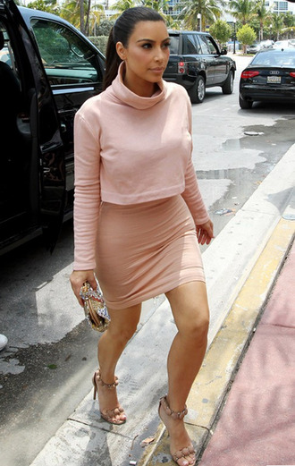 kim kardashian light pink clutch shoes high heels dress