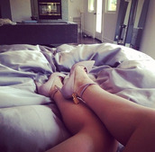 shoes,lilac shoes,point-toe suede pumps,gold lock