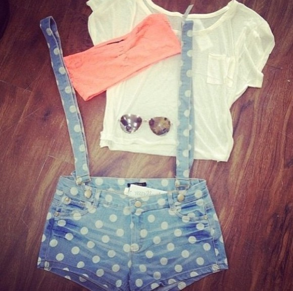 lovely pepa style t-shirt nice sunglasses hollister shorts blue denim polkadots suspenders shorts with suspenders spots