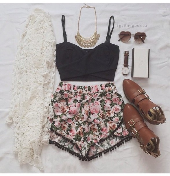 shorts cute roses girly flowered shorts dress top cardigan shoes floral jewels white kimono flower shorts black crop top gold necklace t-shirt sunglasses