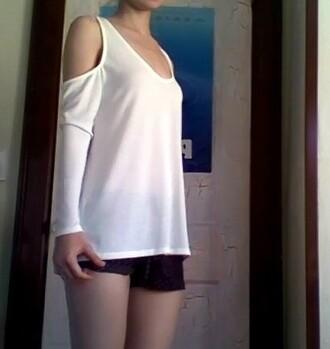 t-shirt top tobi.com tobi cut-out cut out top cut-out top cut out tops white white top white blouse cold shoulder blouse cold shoulder shorts