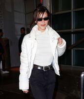 jacket,white,white jacket,bella hadid,model off-duty,jeans,denim,celebrity