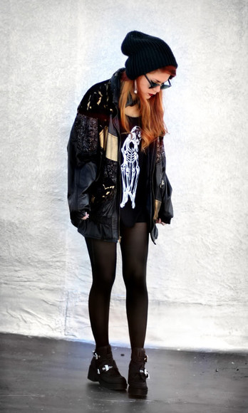 jacket le happy bomber jacket vintage lace oversized jacket vintage jumpers jacket jumper pattern patterns oversized black dark second hand shoes tights boots beanie oversized oversized coat coat