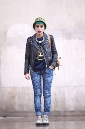 let's get flashy,blogger,bucket hat,printed pants,leather jacket,jeans,jacket,sweater,shoes,hat,bag