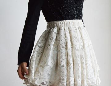 Pretty and charming lace women skir..