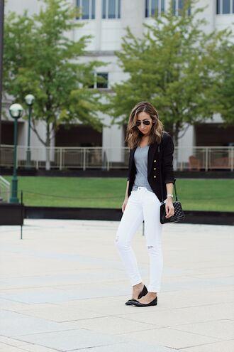 t-shirt skinny jeans white skinny jeans ballet flats crossbody bag blazer blogger blogger style