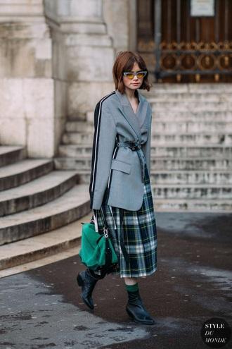 jacket blazer grey blazer oversized blazer oversized skirt midi skirt plaid skirt boots bag streetstyle