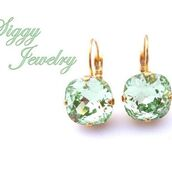 jewels,siggy jewelry,earrings,swarovski,green,light green,mint,pale green,apple green,lime,sparkle,bling,drop earrings,lever back earrings,gold,fashionista,elegant,bridesmaids gift,bridesmaid,style,etsy