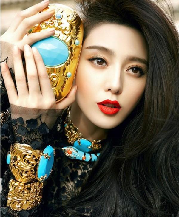 jewels blue jewelry bangle fashion bag beauty fashion shopping gold black dress necklace