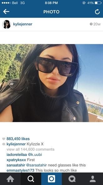 black sunglasses kylie jenner