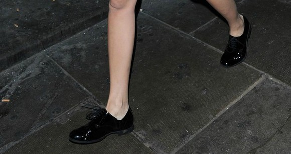 shoes barbara palvin black shoes flat shoes
