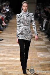 dress,balmain,white,silver,classy,vintage,fashion vibe,outfit,mini dress,celebrity,celebrity style