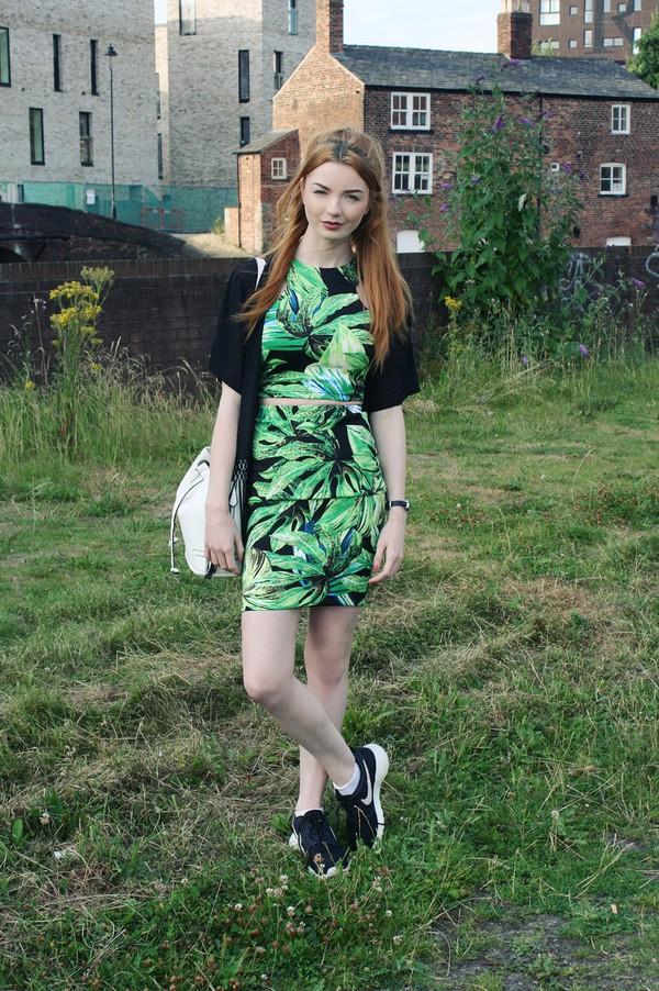 hannah louise fashion top skirt bag