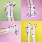 shoes,Unique Vintage,pink pumps,pink,girly,vintage,tuk