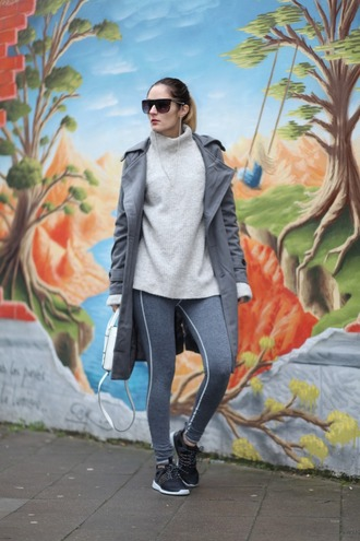 from brussels with love blogger sweater leggings shoes bag coat