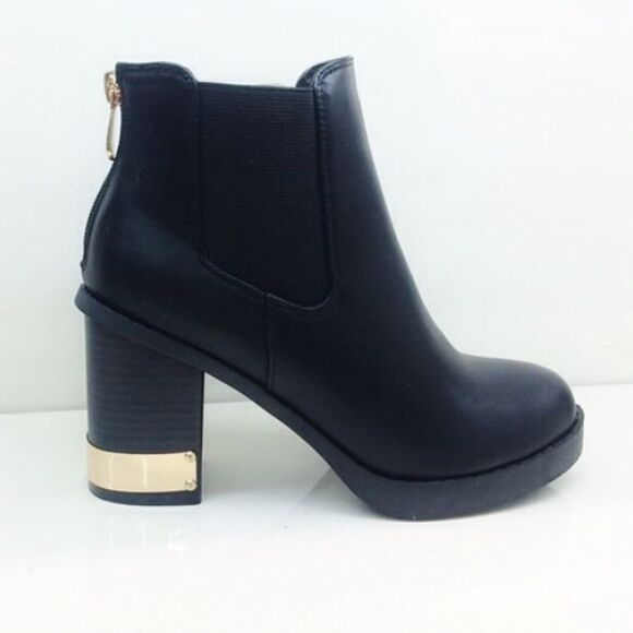 shoes black leather boots fashion cute gold ankle boots cool winter boots winter/autumn top must have hipster footwear chelsea boots chelsea boots heeled chunky chelsea black heeled boots heeled black leather ankle bootsts