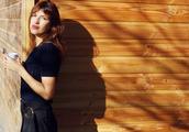 top,rouje,navy blue top,blue top,short sleeve,brunette,jeanne damas,bangs,rouje.com