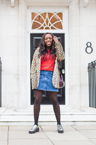 iwantyoutoknow blogger tights fall outfits winter outfits denim skirt animal print metallic shoes wavy hair outfit idea leopard print silver shoes