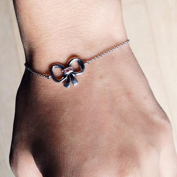 jewels silver silver jewelry silver jewellery silver jewels bracelets bracelet chains silver bracelets bows bowtie cute girly cute jewels