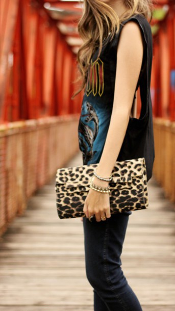 bag tiger print t-shirt