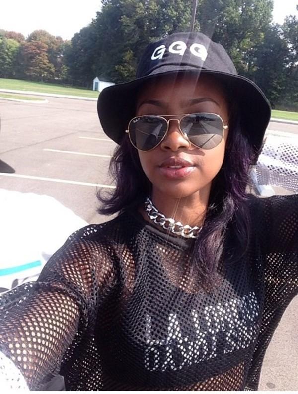 hat black bucket hat trendy fashion new york city cute shirt sunglasses