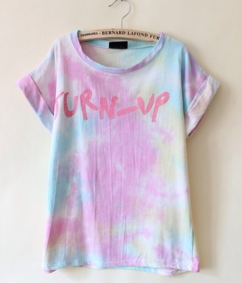 shirt t-shirt pastel pastel goth pink colors graphic tee 90s style summer outfits tie-dye
