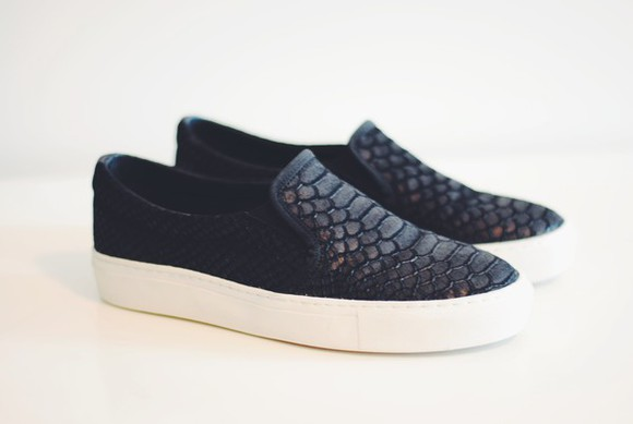 shoes print sneakers snake slip on