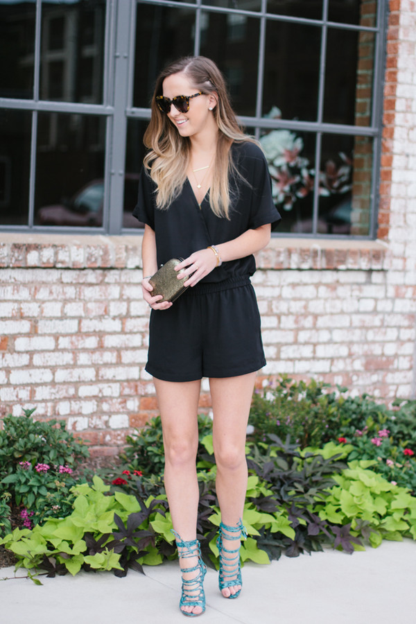 side smile style romper shoes jewels sunglasses