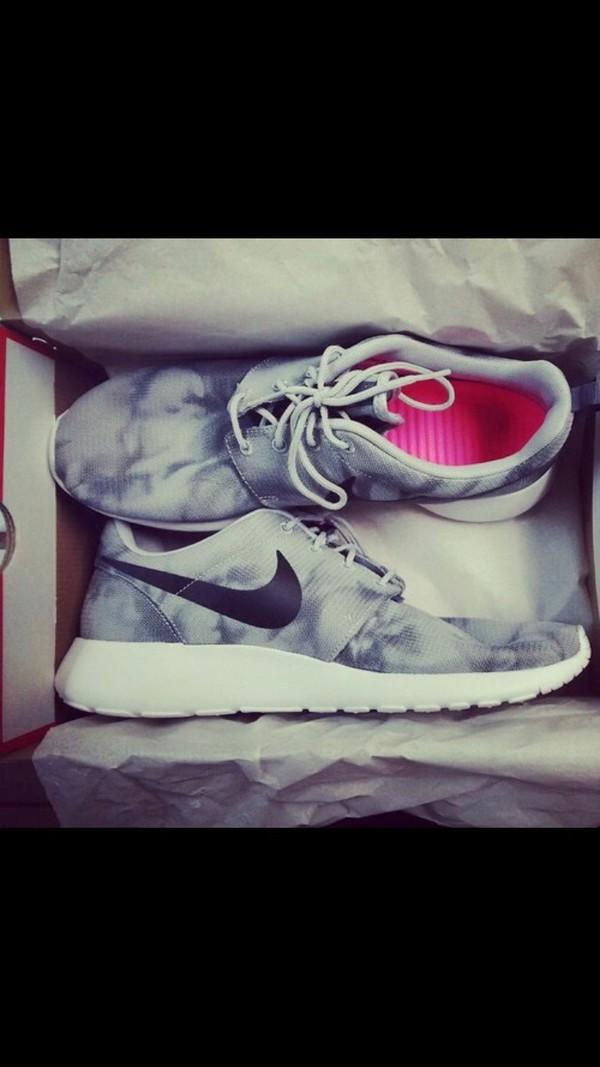 Nike 2014 Men Rosherun Print Wolf Grey White Tie Dye