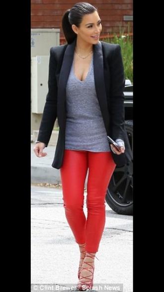 leggings pants t-shirt jacket kim kardashian