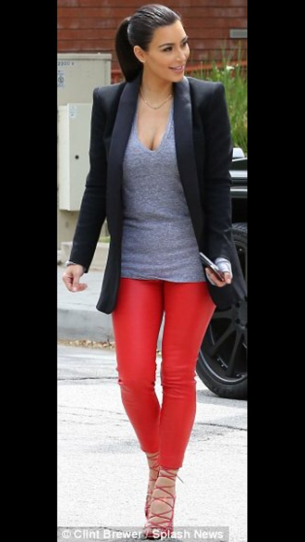 leggings pants t-shirt jacket kim kardashian